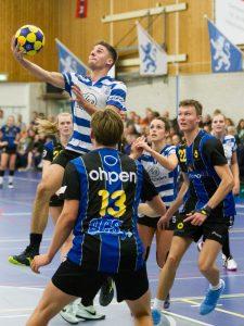 Hansen en Stavenuiter terug bij Blauw-Wit: 'Een interessante mix'
