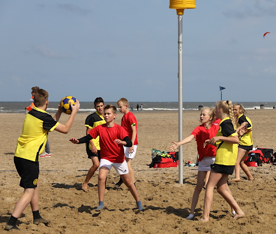 NK Beachkorfbal Outdoor: 'Heerlijk weer dit'